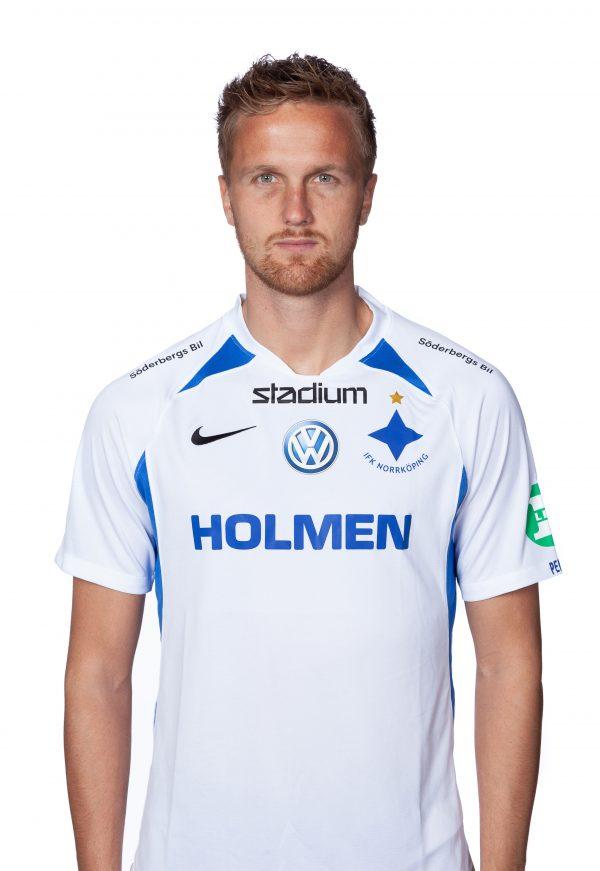 Kasper Larsen #6 försvarare